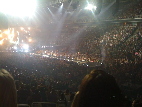 All you people can't you see, can't you see... NKOTBSB!